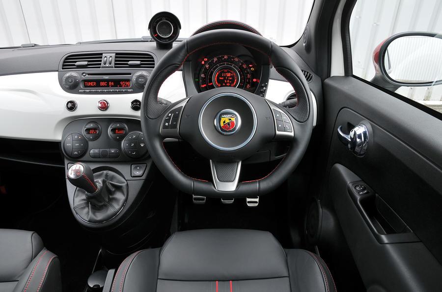 Fiat 500C Abarth Esseesse dashboard