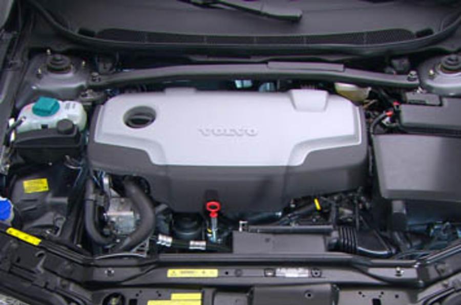 Volvo XC90 D5 S Euro4 review | Autocar