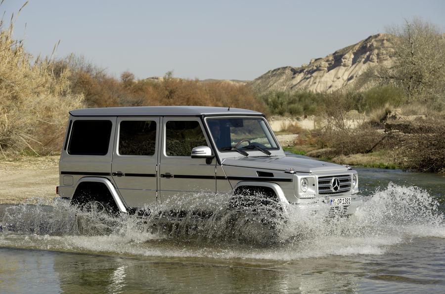 Mercedes-Benz G 350 wading