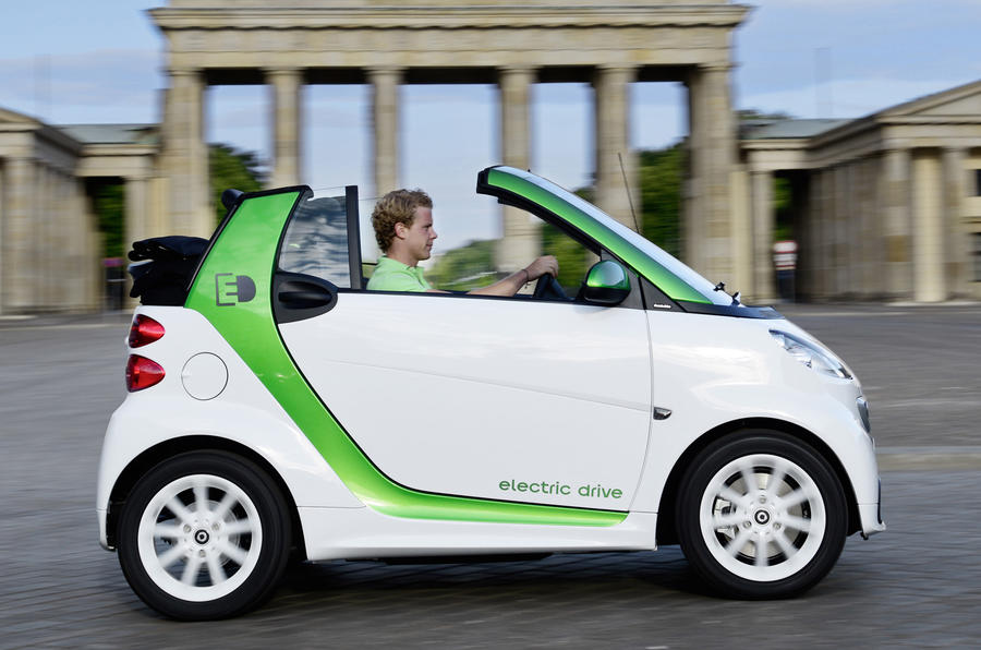 Smart Fortwo Electric Drive roof down