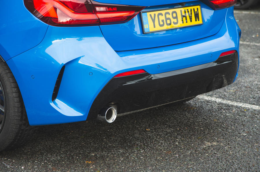 BMW 1 Series 118i 2019 road test review - rear bumper
