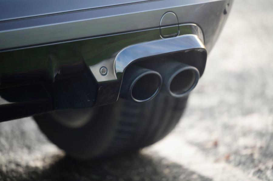 13 Cupra Formentor 2021 examen des gaz d'échappement