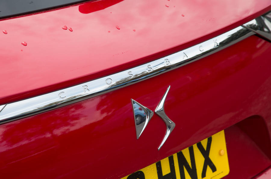 DS 7 Crossback 2018 road test review boot badge