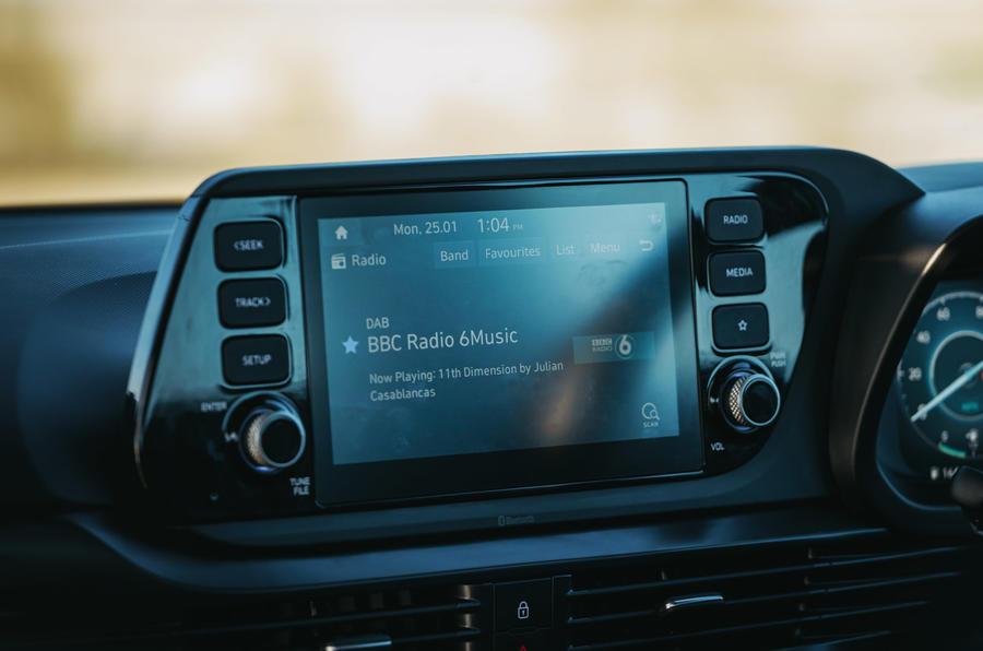 13 Hyundai i20 2021 : examen de l'essai routier infotainment