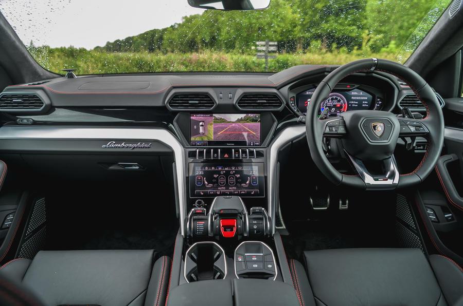 Lamborghini Urus 2019 road test review - dashboard