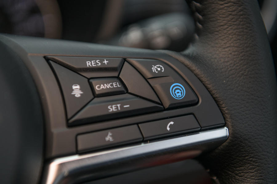 Nissan Juke 2020 road test review - steering wheel buttons