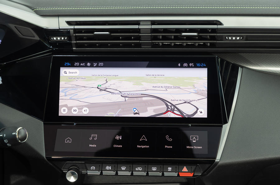 13 Peugeot 308 2021 premier essai essai infotainment