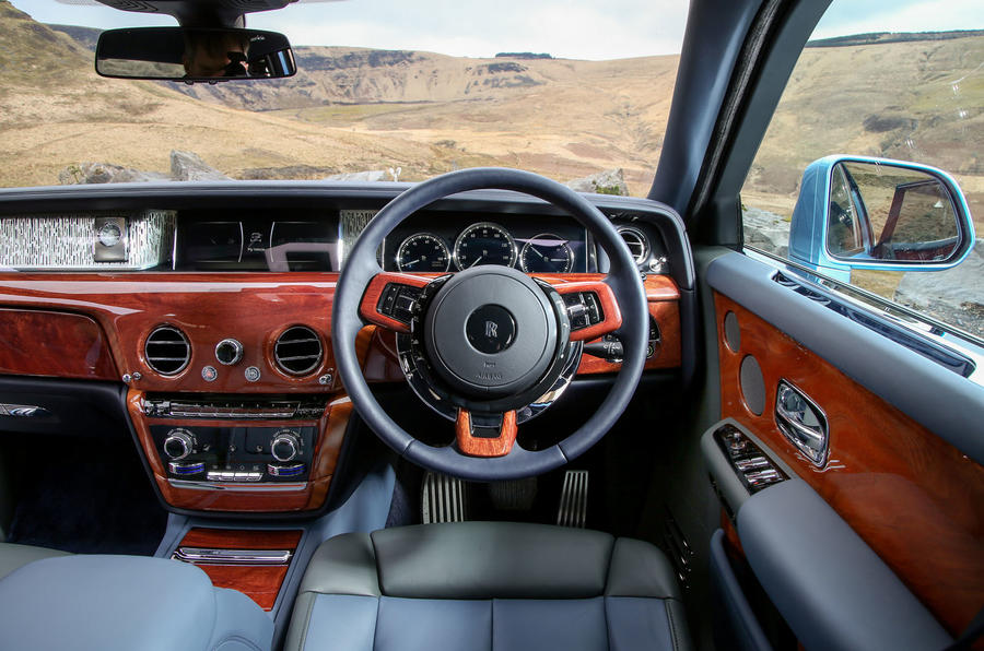 Rolls Royce Phantom 2018 review driving position