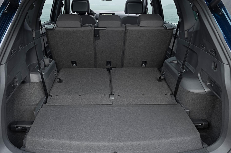 Seat Tarraco 2018 review - boot rear seats down
