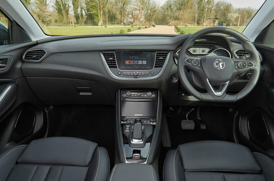 Vauxhall Grandland X Hybrid4 2020 road test review - dashboard