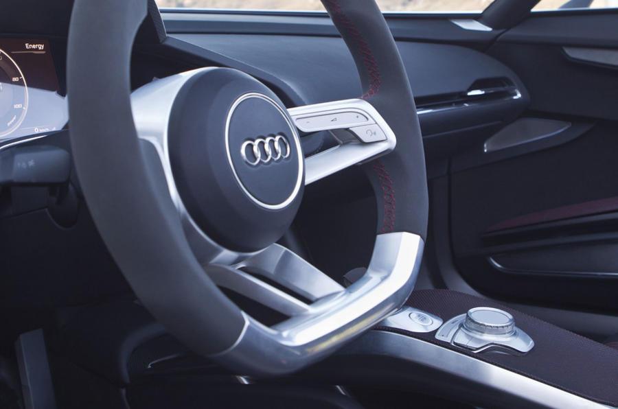 Audi e-tron Spyder steering wheel
