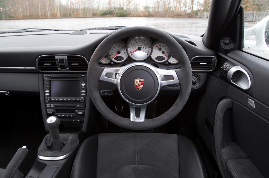 Porsche 911 Carrera GTS dashboard