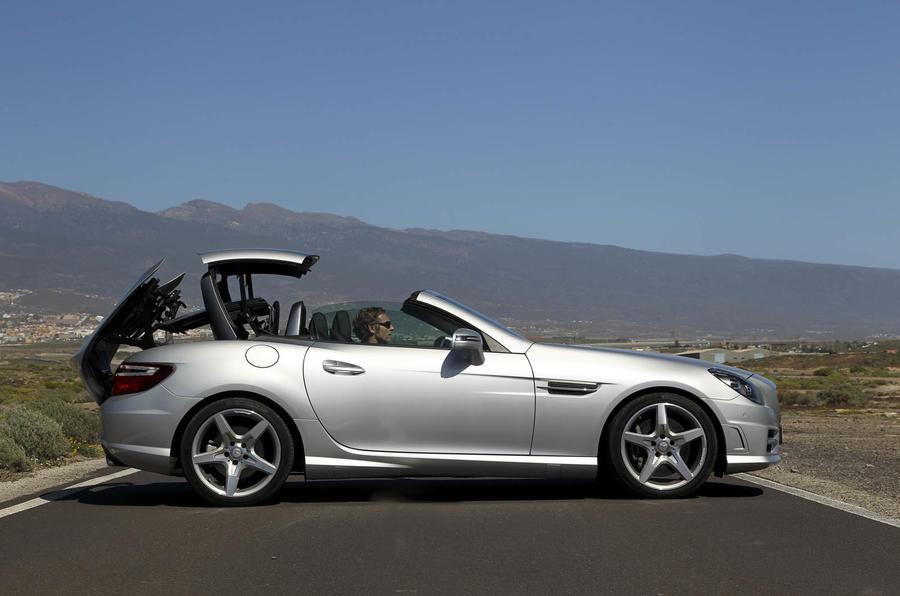 Mercedes-Benz SLK 250 roof opening