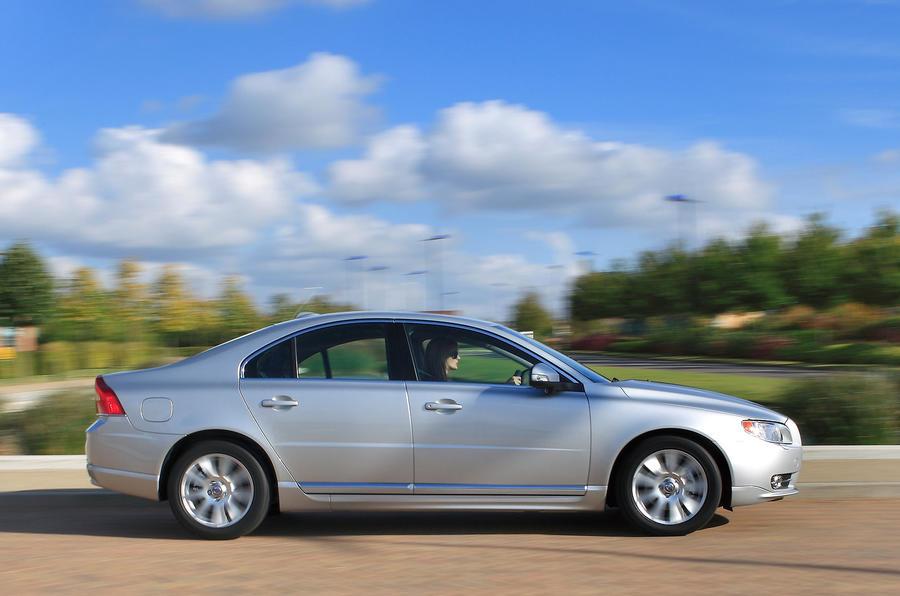 Volvo S80 side profile