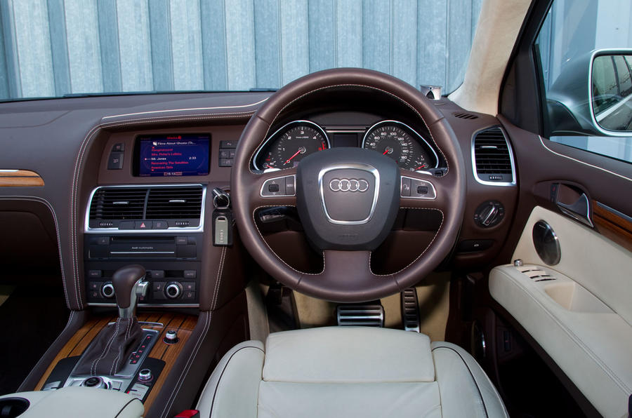 Audi Q7 V12 TDI Exclusive dashboard