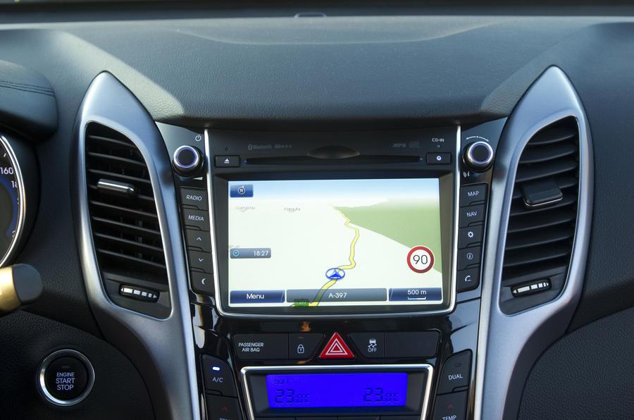 Hyundai i30 1.6 CRDi infotainment system