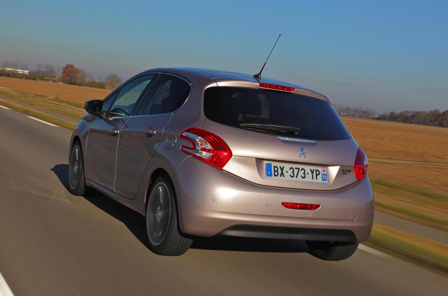 Peugeot 208 rear