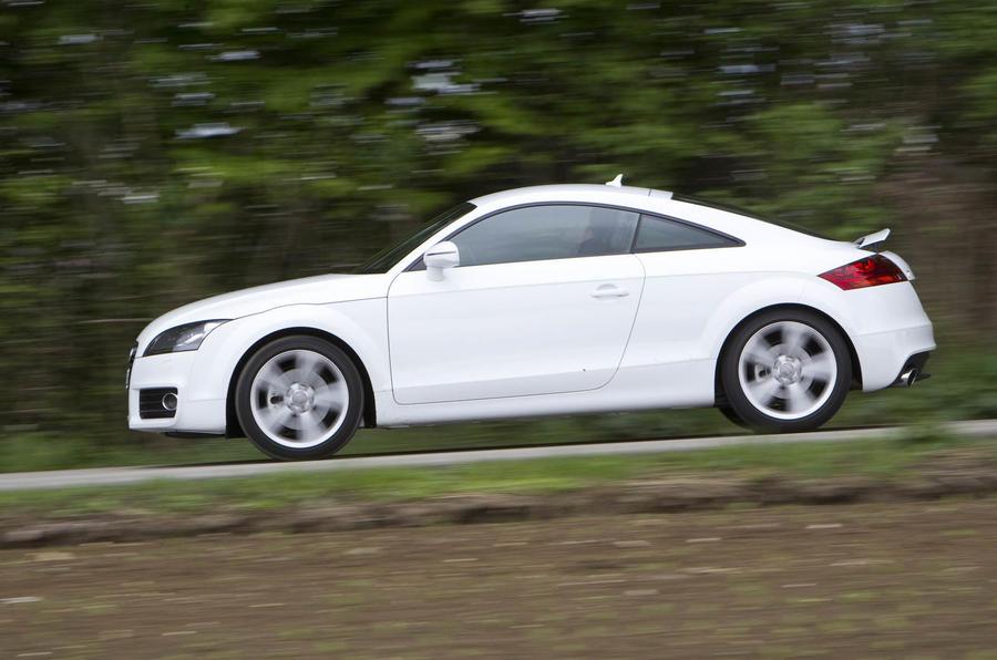 Audi TT 2.0 TFSI side profile