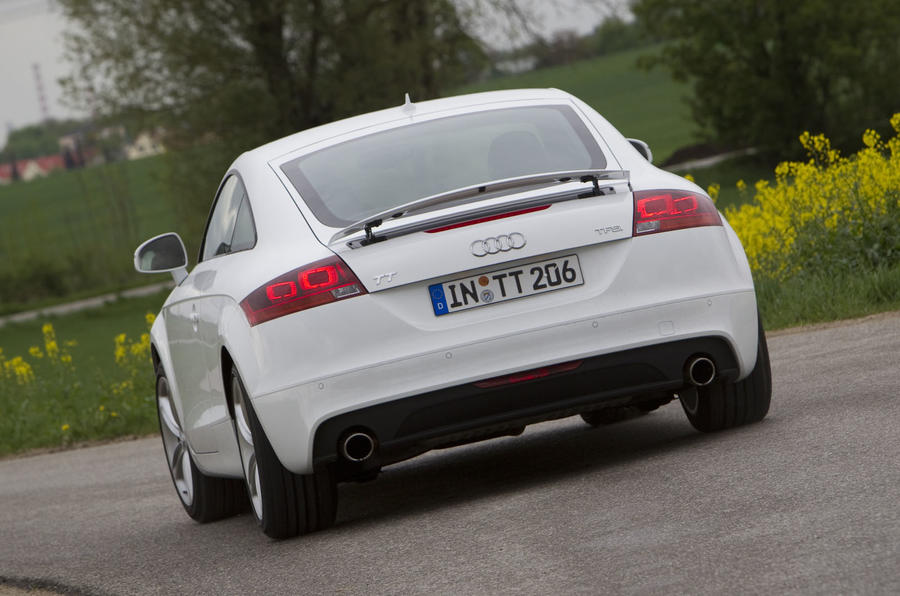 Audi TT 2.0 TFSI rear cornering