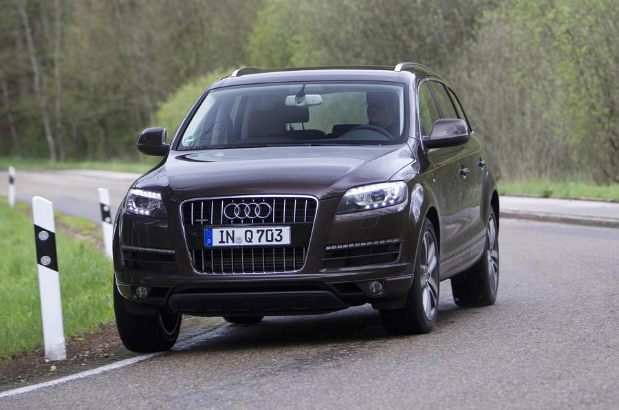 Audi Q7 cornering