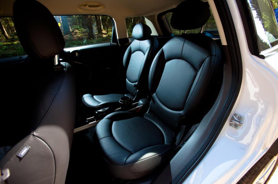 Mini Countryman ALL4 rear seats