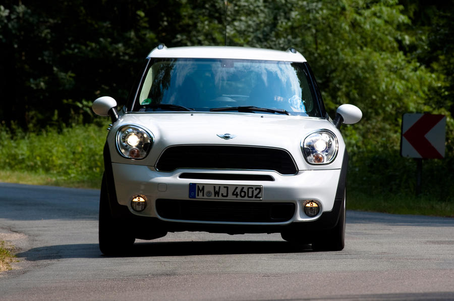 Mini Countryman ALL4 cornering