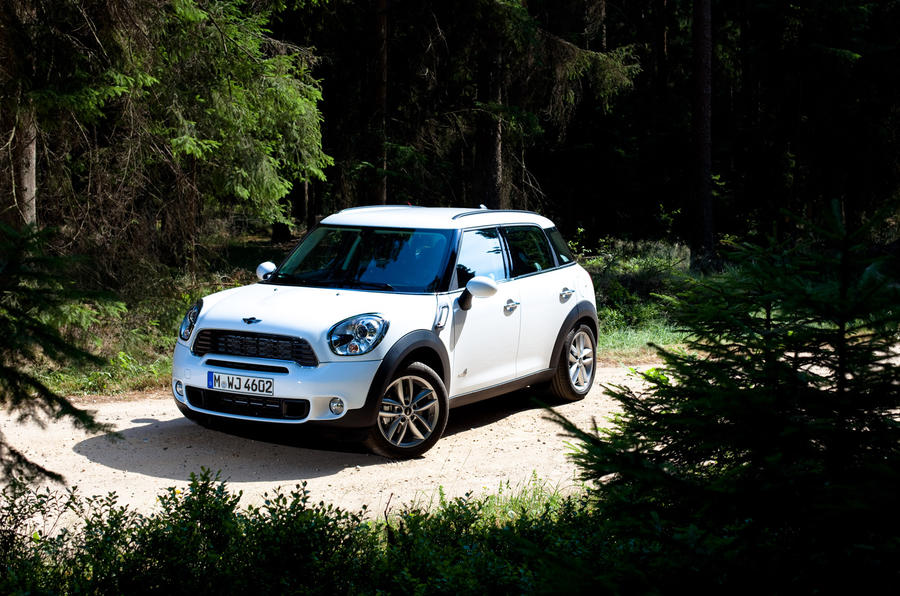 Mini Countryman ALL4 front quarter