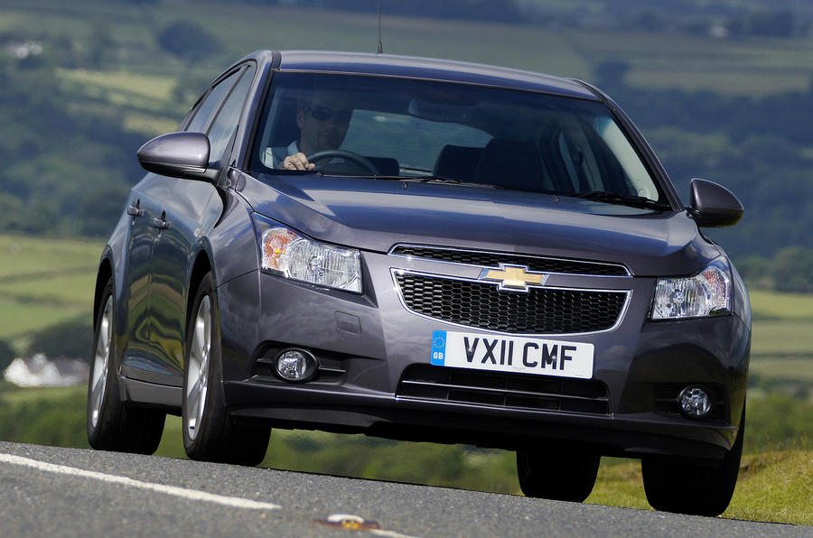 Chevrolet Cruze cornering