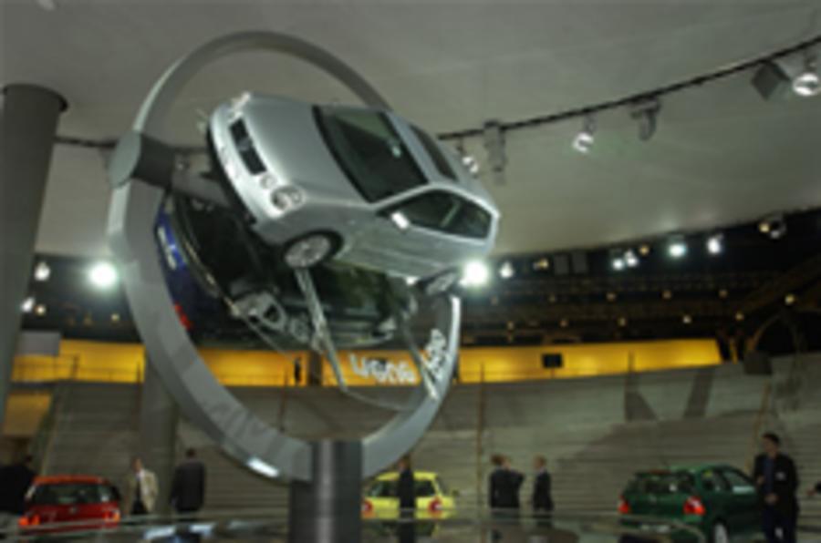 Autocar archive: Frankfurt 2001