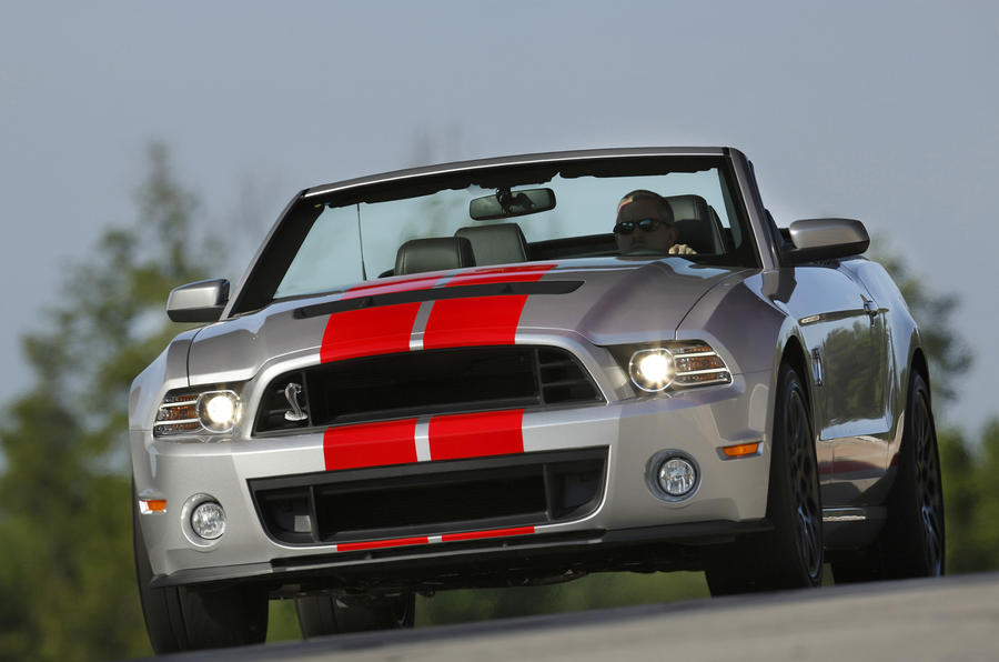 Ford Shelby GT500 Convertible cornering