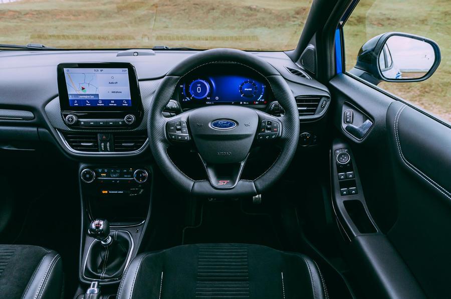 14 Ford Puma ST 2021 : essai routier, tableau de bord.