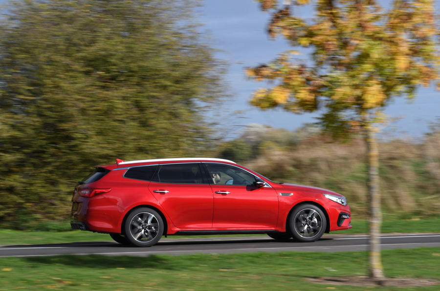 Kia Optima Sportswagon 2018 review - on the road right