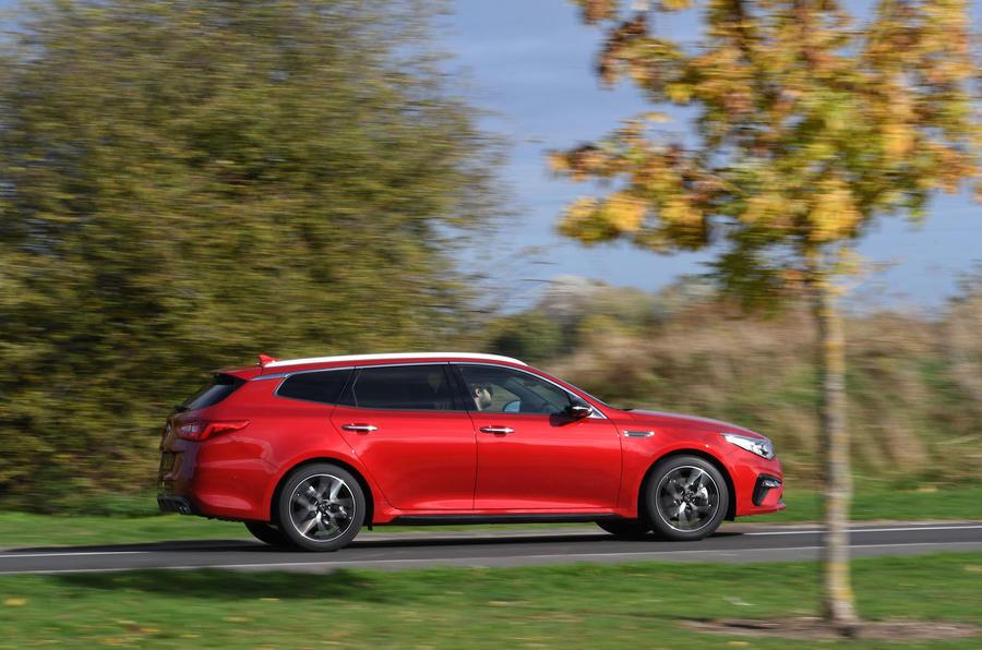 Kia Optima Sportswagon 2018 review - on the road right