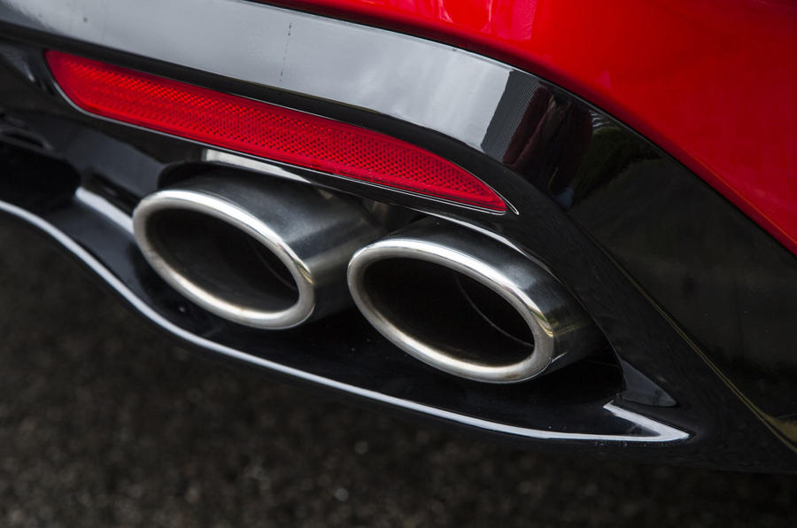 Kia Stinger GT line 2018 review exhaust