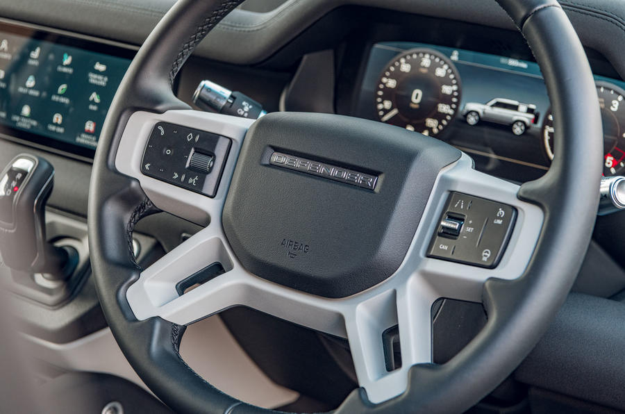 Land Rover Defender 2020 : bilan de l'essai routier - volant