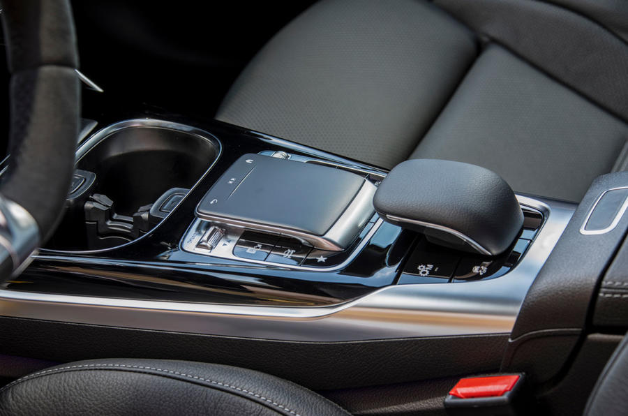 Mercedes-AMG A35 2018 review - centre console
