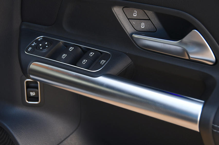 Mercedes-Benz B-Class 2019 road test review door cards