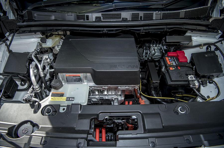 Nissan Leaf 2018 UK review motor