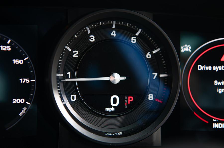 Porsche 911 Carrera S 2019 road test review - instruments