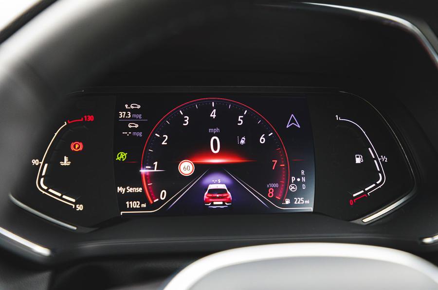 Renault Captur 2020 road test review - instruments