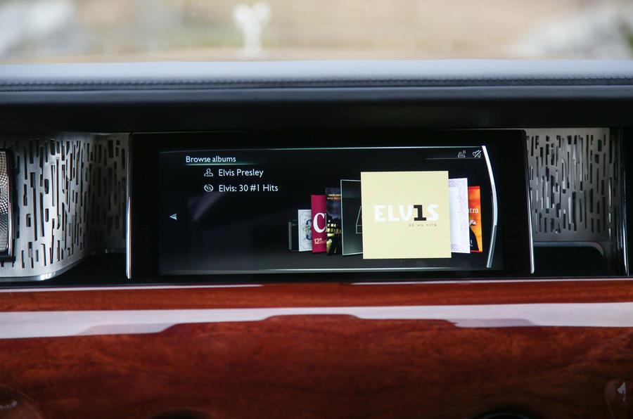 Rolls Royce Phantom 2018 review infotainment audio