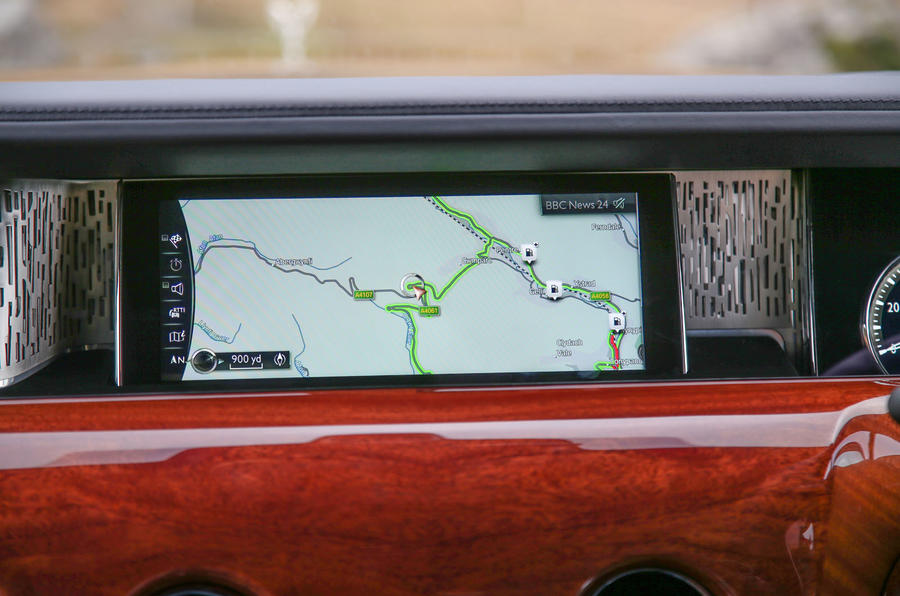 Rolls Royce Phantom 2018 review infotainment sat-nav