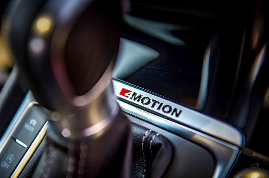 Volkswagen Golf R 2019 road test review - gearstick