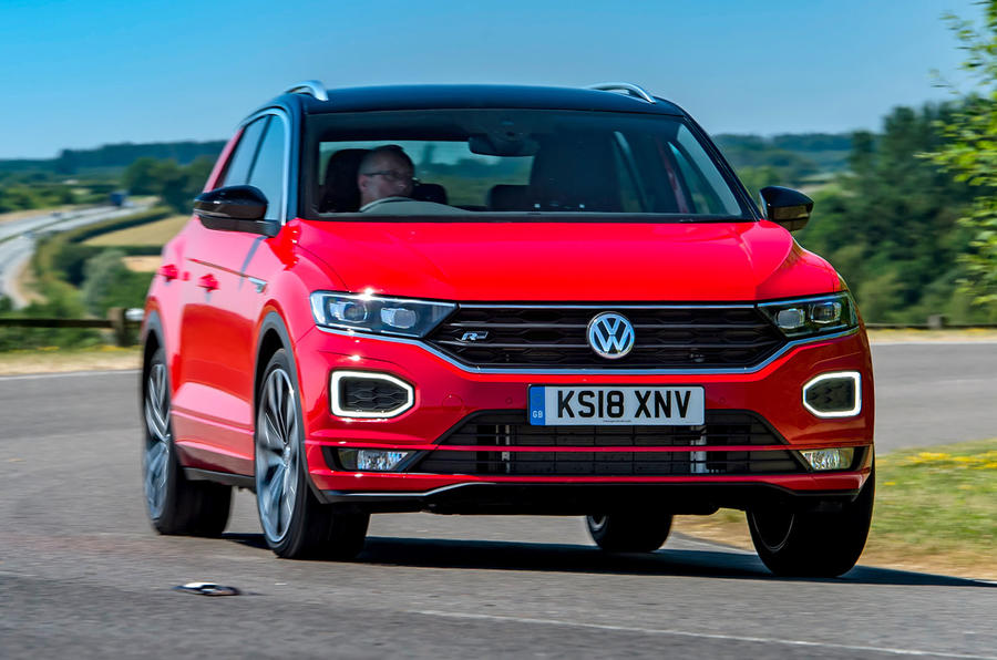 Volkswagen T-Roc 2019 road test review - cornering front