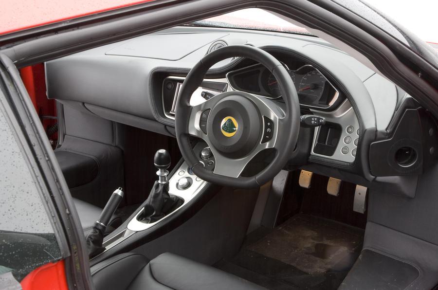 Lotus Evora 2+0 interior
