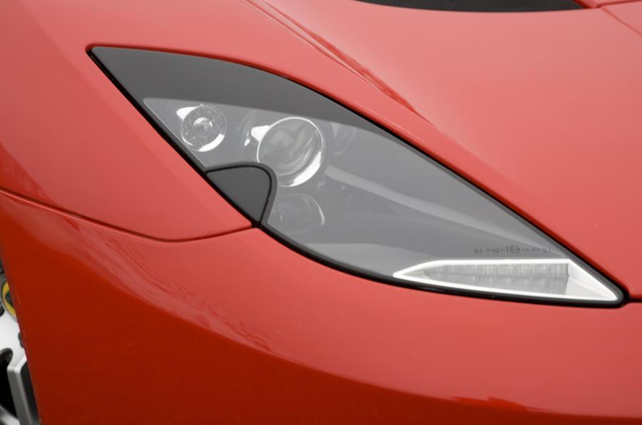 Lotus Evora 2+0 headlight