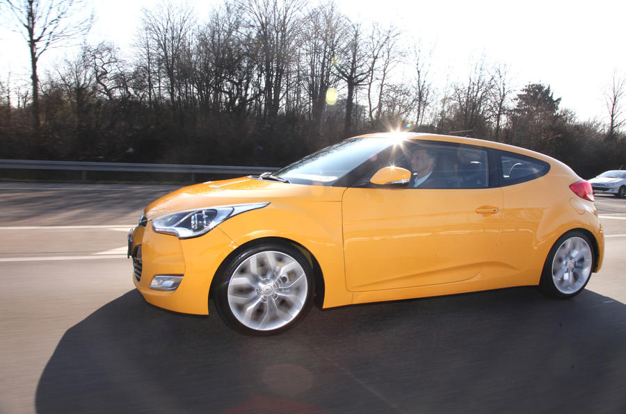 Hyundai Veloster side profile