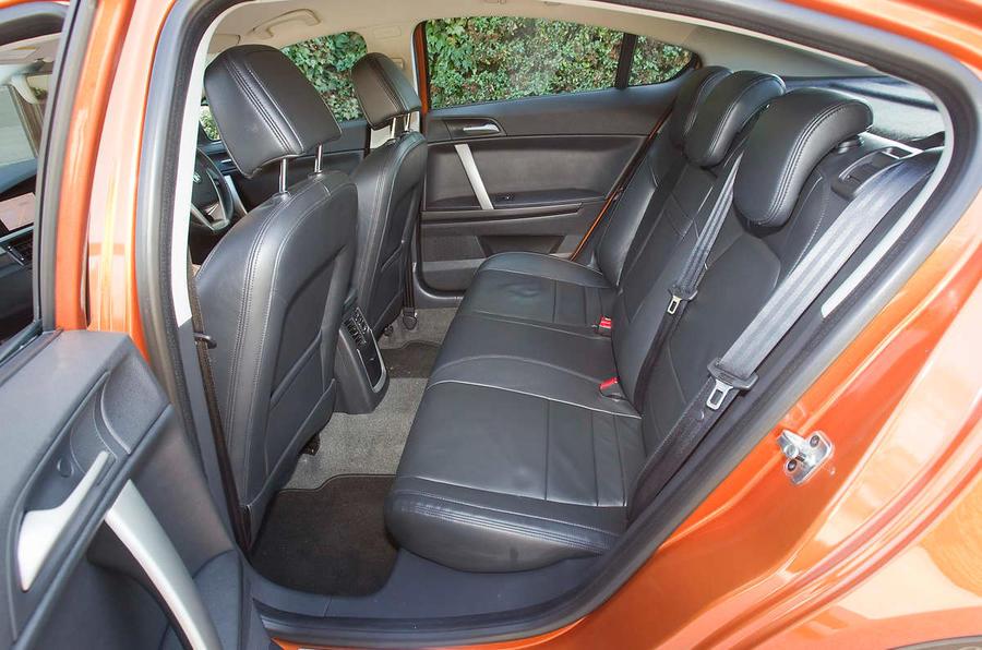 MG 6 1.8T TSE rear seats