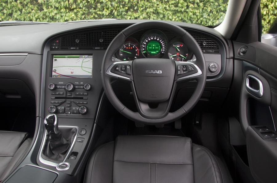Saab 9-5 Sportwagon dashboard