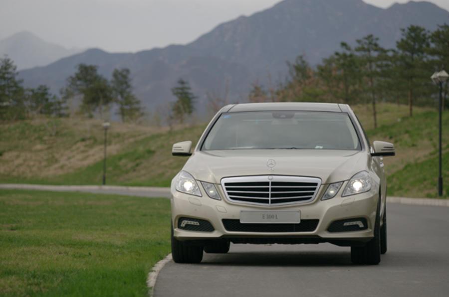 Mercedes-Benz E-Class LWB cornering